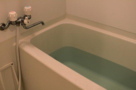 防水塗装は大阪の【株式会社ローレルカワハラ】へ!~新しいコーティングの方法で浴室が変わる~