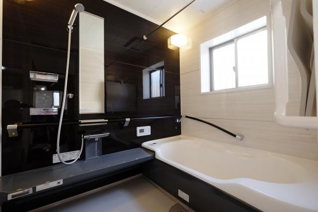 大阪で浴室コーティングの工事を行ってお風呂を清潔に!