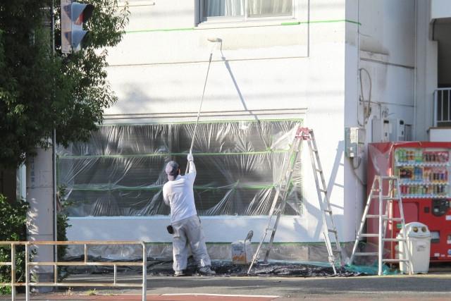大阪で建築塗装の見積りなら
